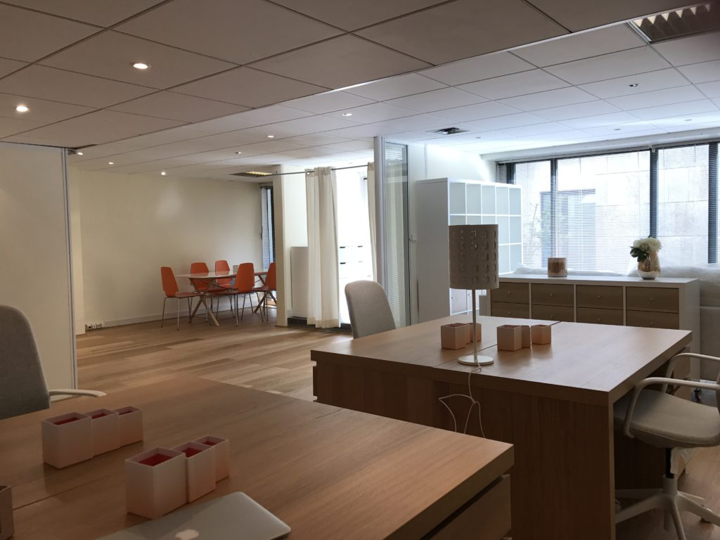 interdiction canap cabinet avocat. Black Bedroom Furniture Sets. Home Design Ideas